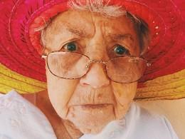 Old Womas (Imagem Pixabay)