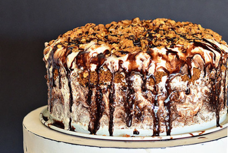 biscoff-crunch-ice-cream-cake.jpg