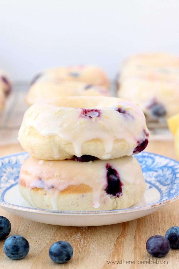 Baked-Lemon-Blueberry-Doughnuts-www_thereciperebel