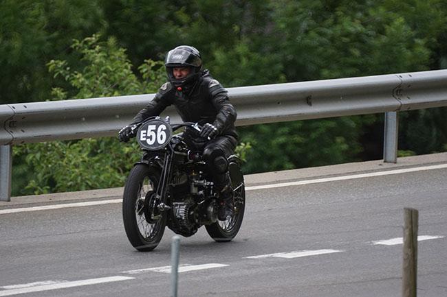 kerenzerberg_56_motorrad