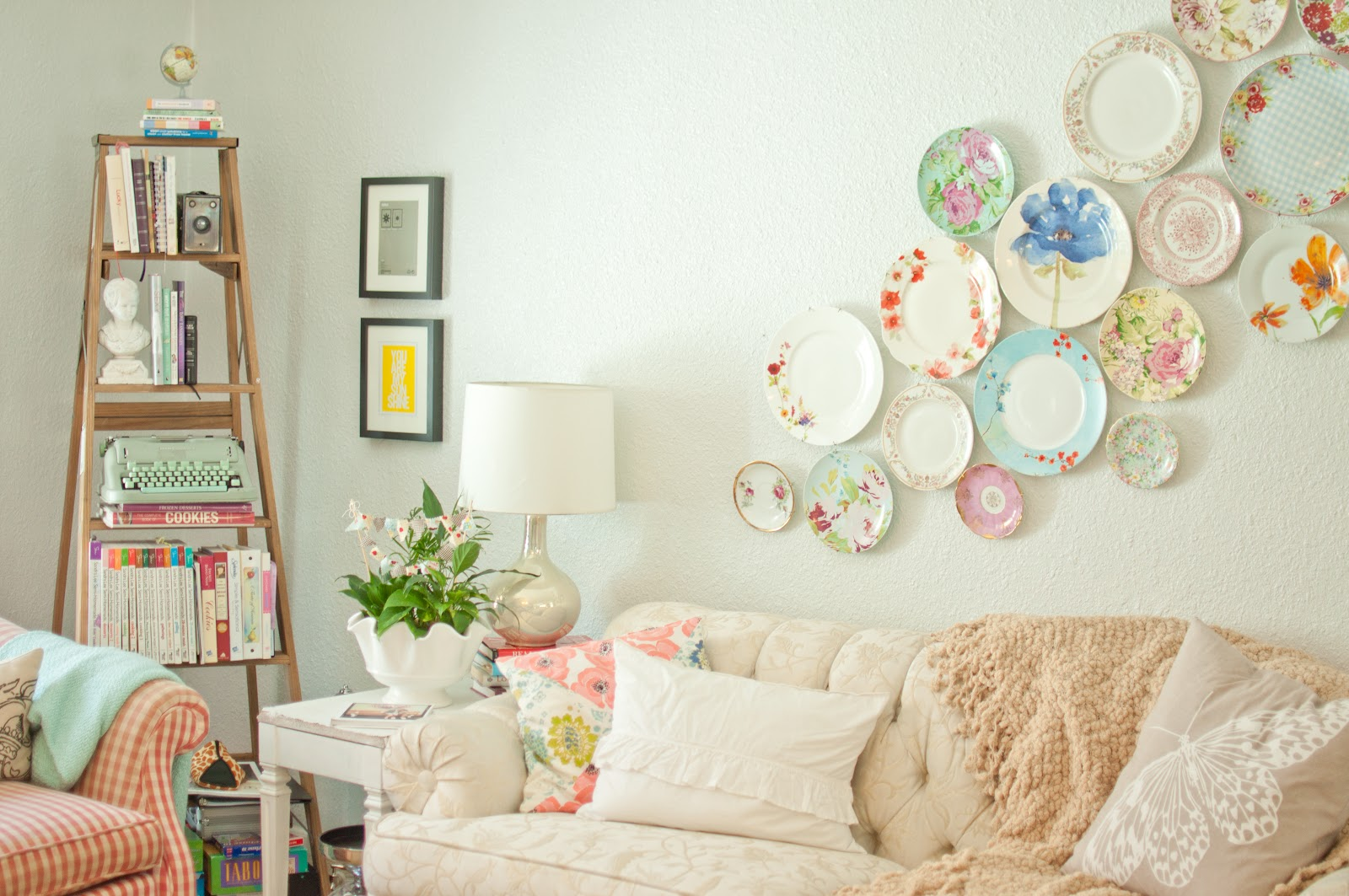 Decorating with Plates-1.jpg