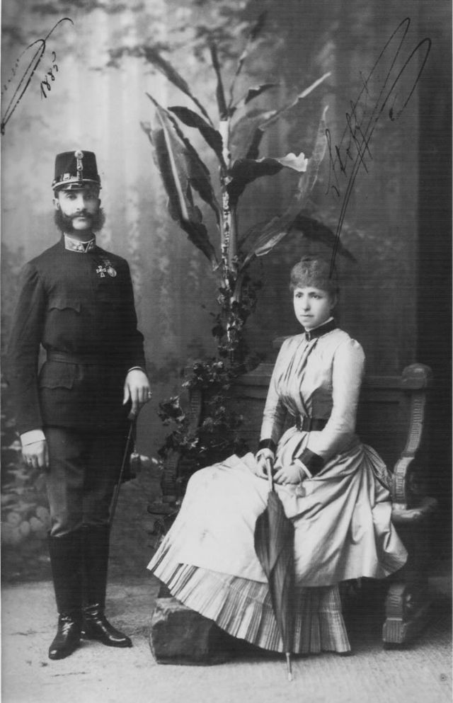 640px-Alfonso_XII_with_his_second_wife.jpg